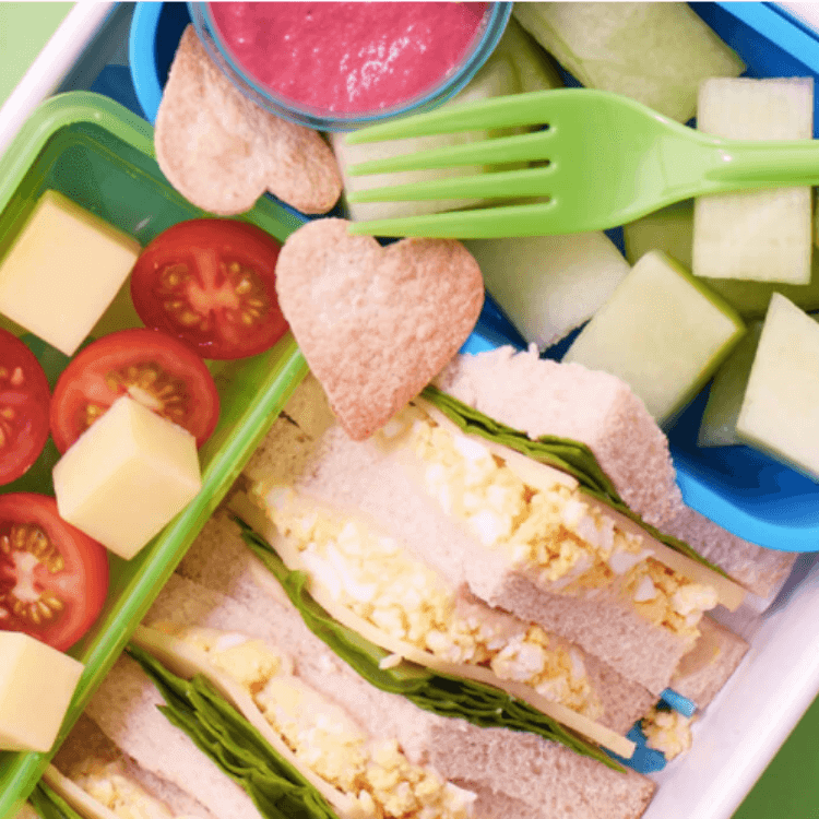 Egg, Spinach & Hummus Sandwich